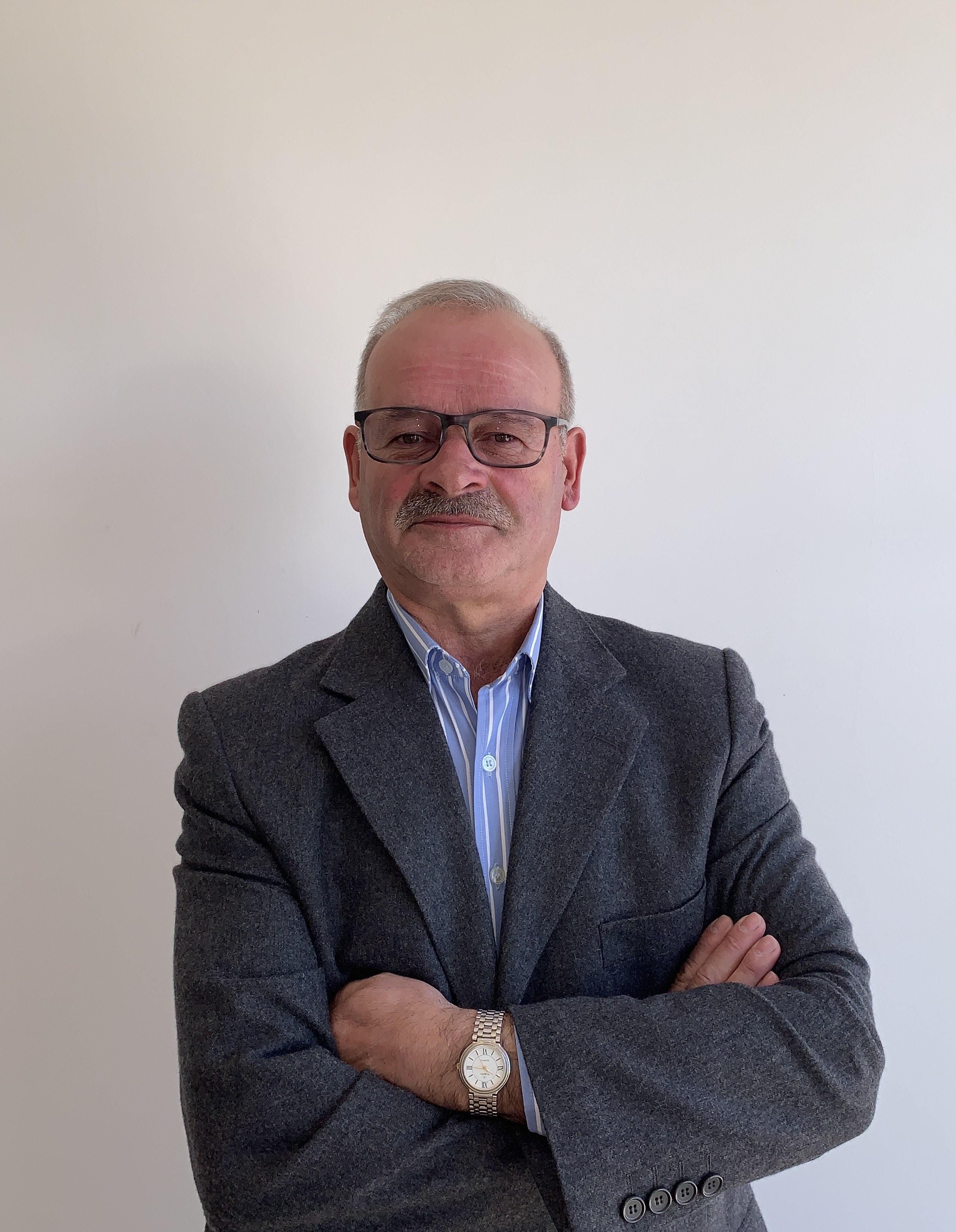 Carlos Avim